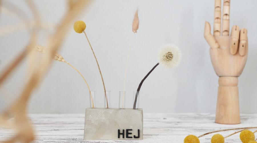 DIY Betonvase mit Reagenzgläsern im Scandi Style
