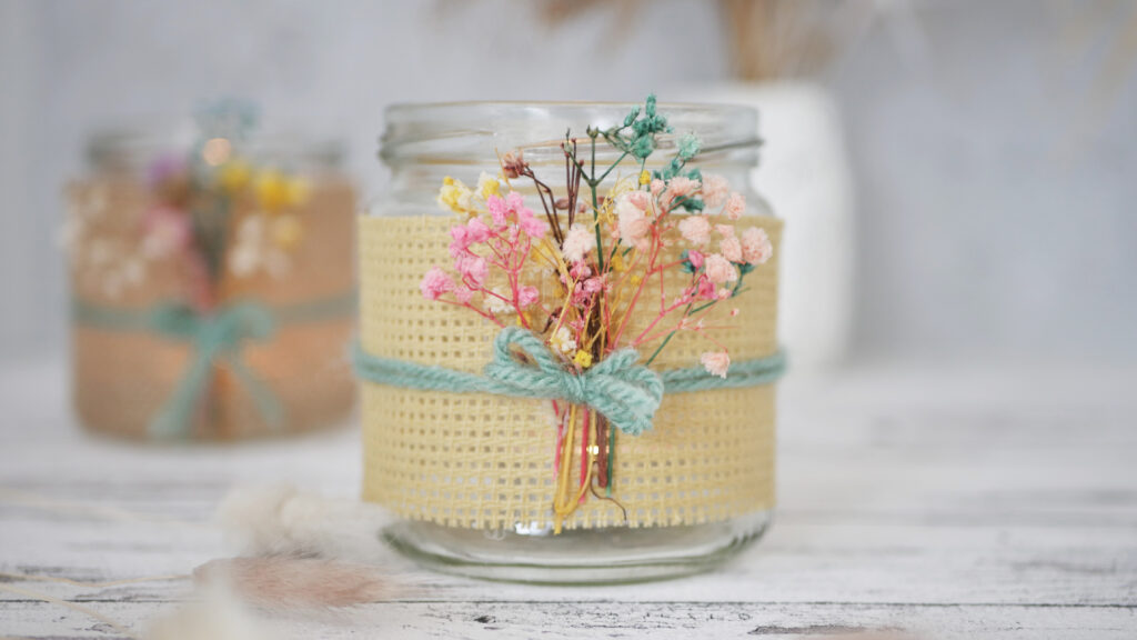 DIY Upcycling Windlicht mit Trockenblumen