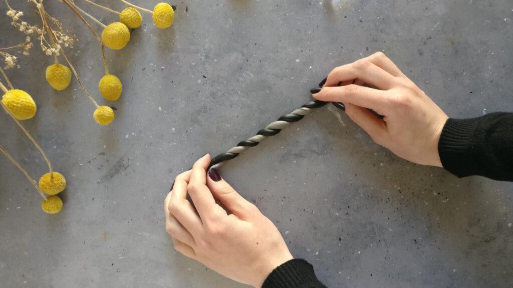 DIY Vasendeckel Schritt 2: Die beiden Fimo-Stränge verzwirbeln