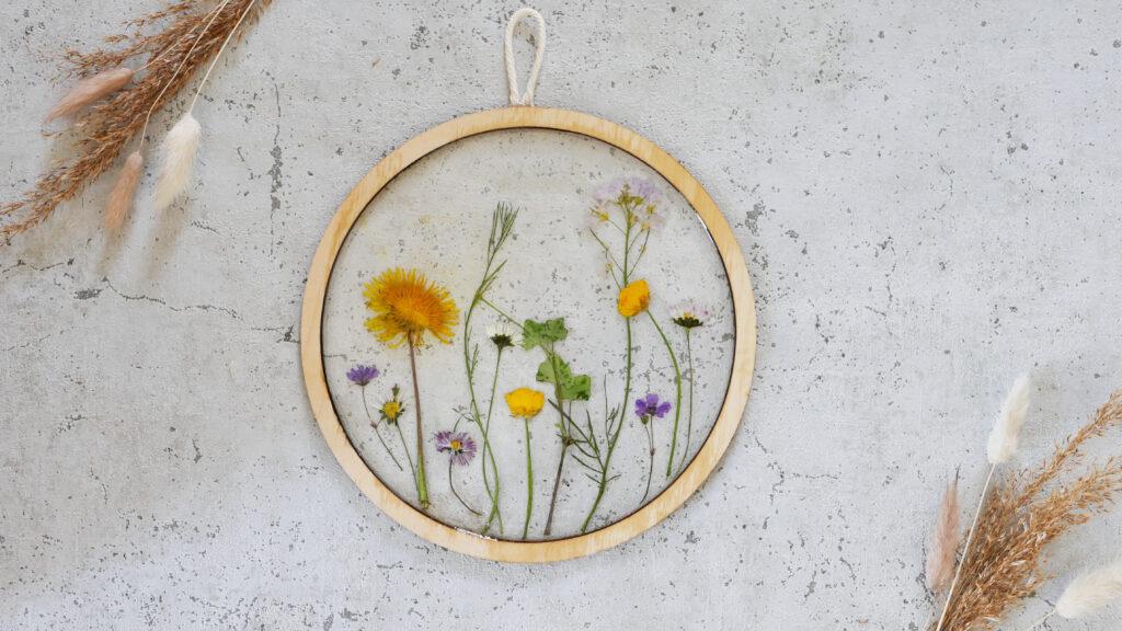 DIY Resin Trockenblumen Bild im Botanical Style