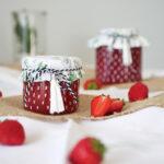 DIY Erdbeer Rhabarber Marmelade als Geschenk