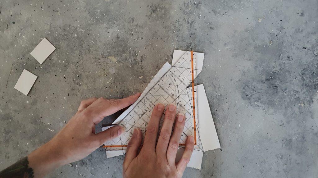 DIY Beton Boot Schritt 2: Kanten umklappen