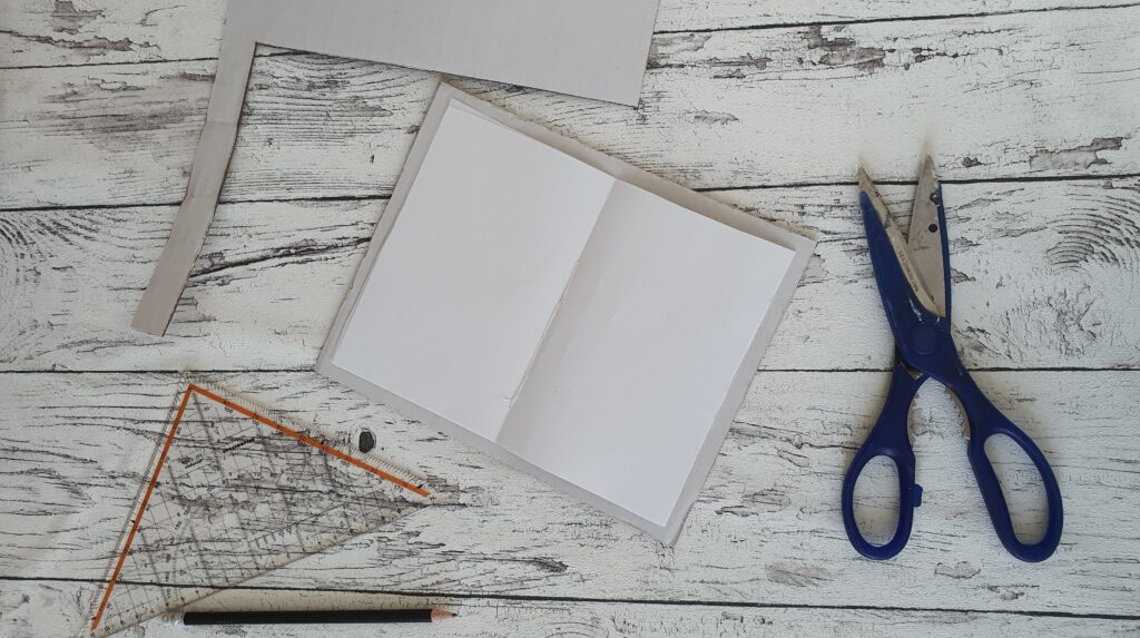 Upcycling Notizbuch Schritt 3: Karton zuschneiden