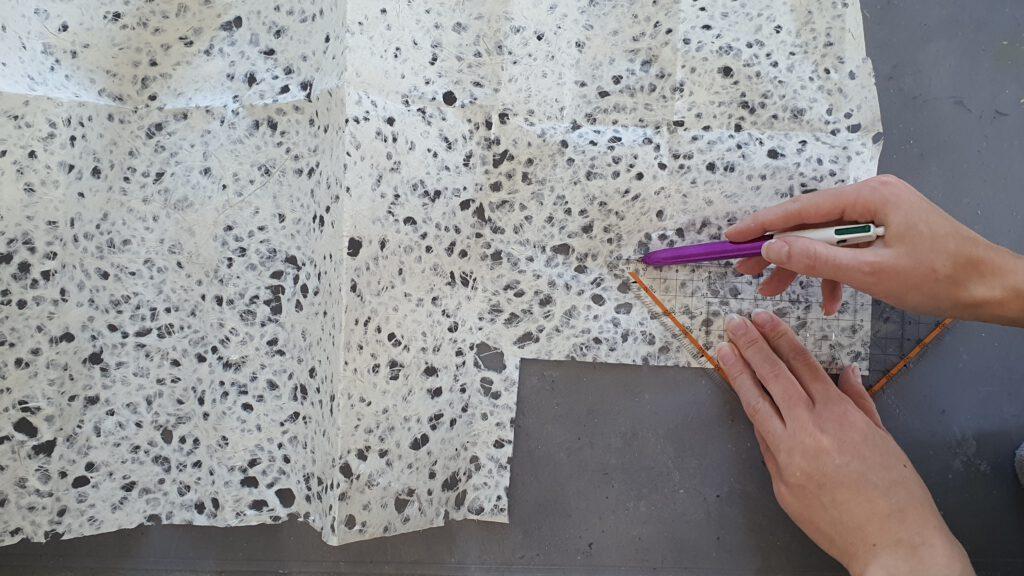 Upcycling Blumentopf Schritt 5: Faserpapier zuschneiden